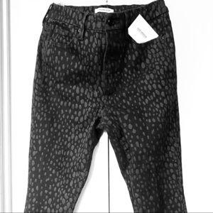 Good American Good Legs Crop in Cheetah Black Foil